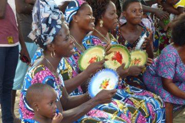 Groupe de Femmes animant la journée d'intervention à Hounhanmédé (14/04/2018)